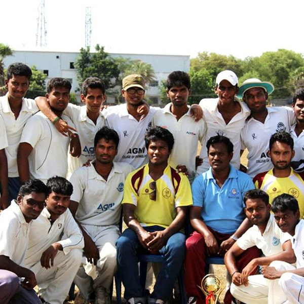 Cricket Team Group Image